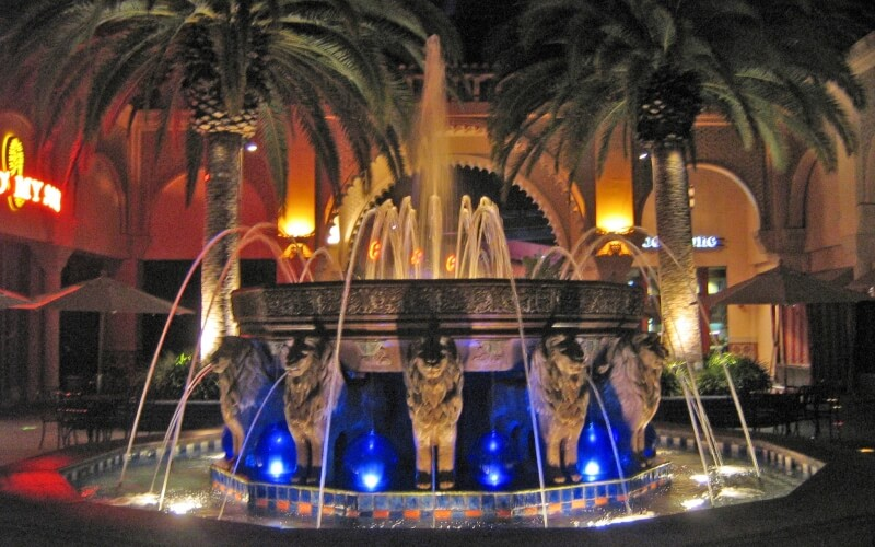 Night attractions at fountain in Irvine Spectrum